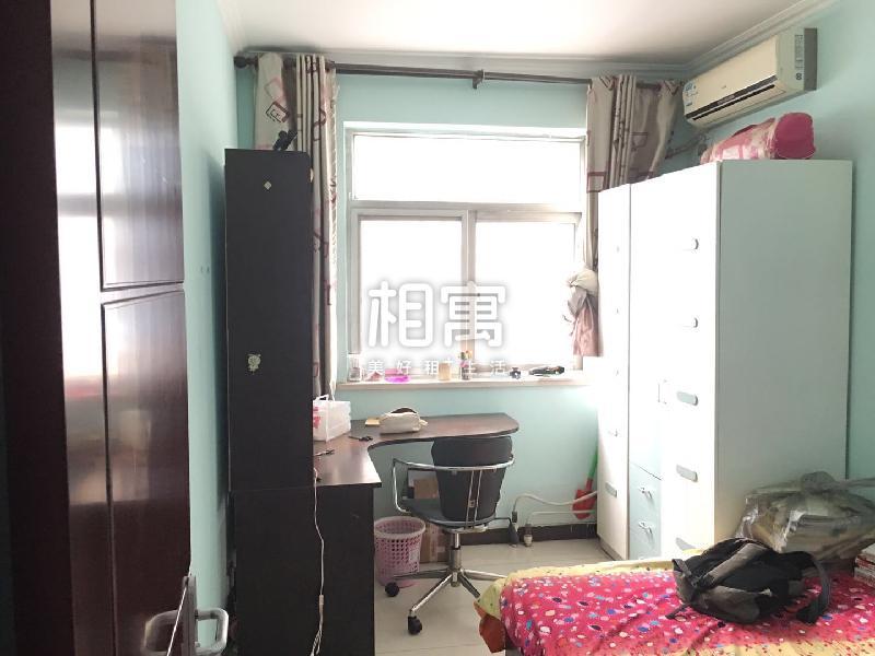北关·财富东方·4居室·次卧2